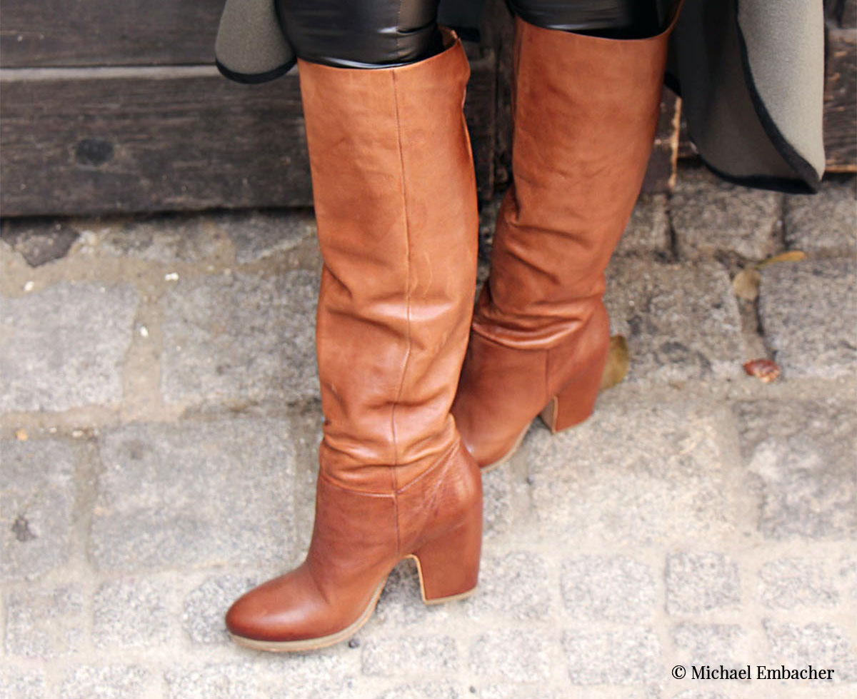 Vic Matie Stiefel Camel: Stiefel aus cognacfarbenem Kalbsleder, in dem Obermaterial vollständig eingearbeitetem Absatz