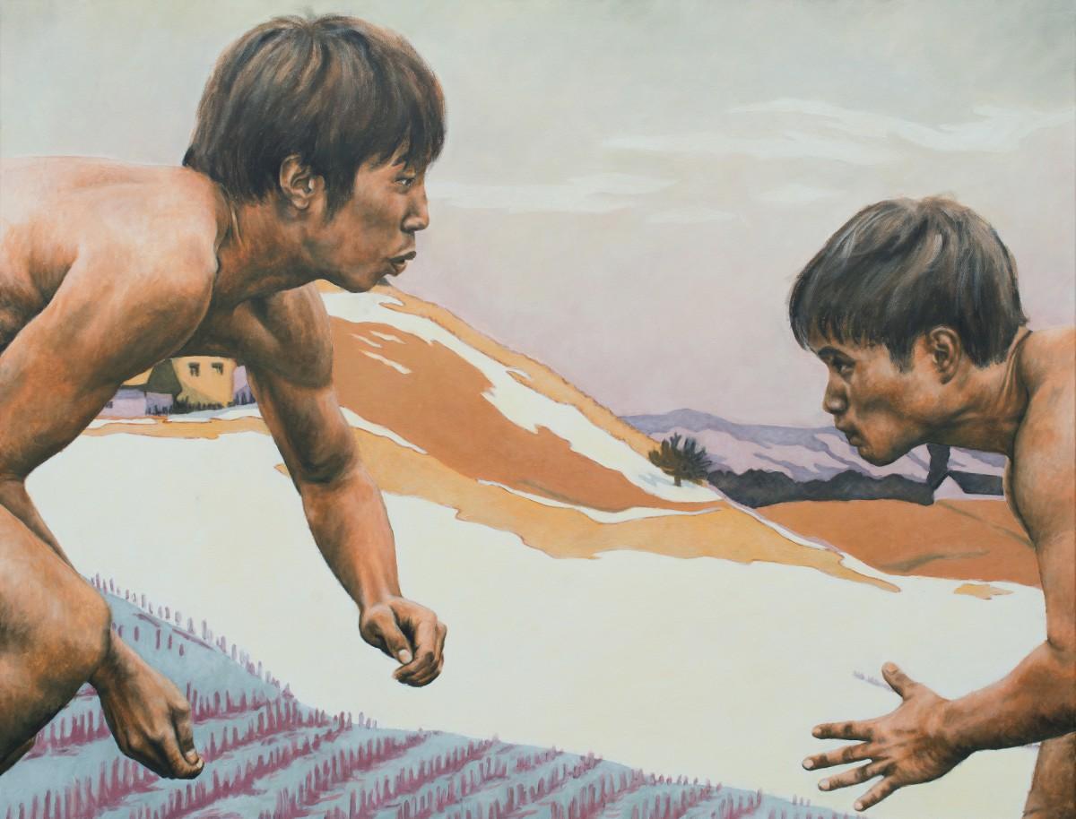 Im Hintergrund werden japanische Farbholzschnitte und Linolschnitte gezeigt