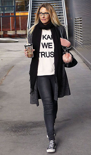 02In_Karl_we_trust_Pulli