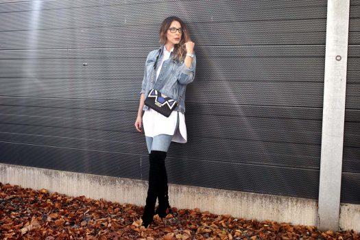 4 STYLEZ 4 U: Herbstlicher Jeanslook mit Overknees