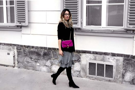 CHECKED SKIRT, PURPLE VELVET BAG AND OVERKNEES